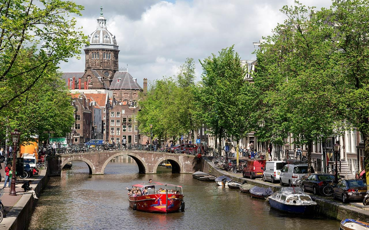 Where to Stay in Amsterdam Hotel Cheap