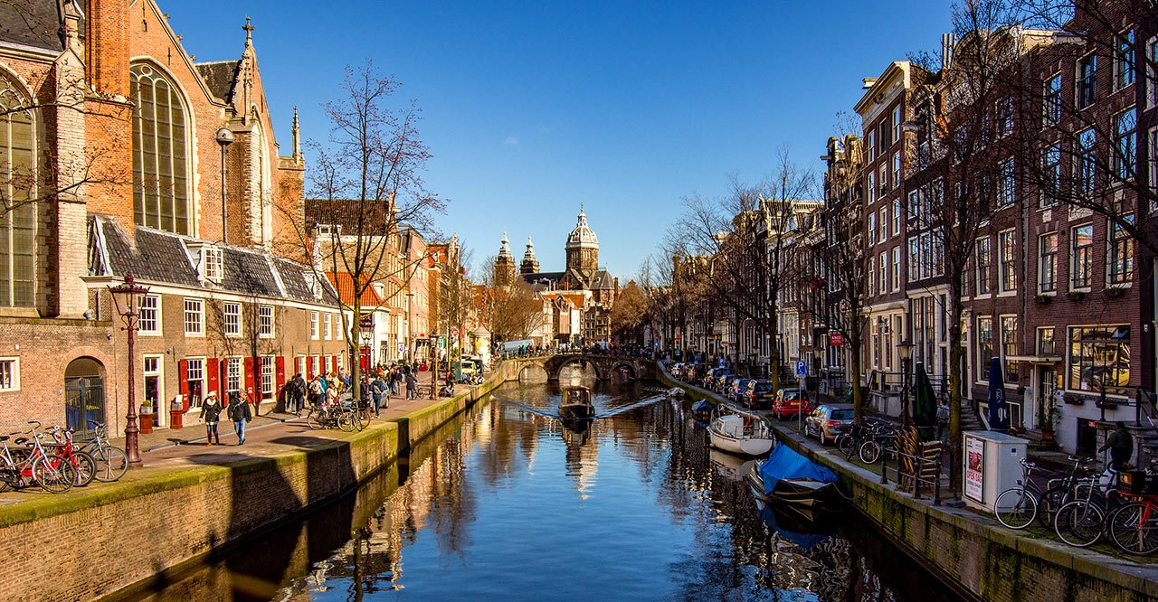 Amsterdam-waterways-canal