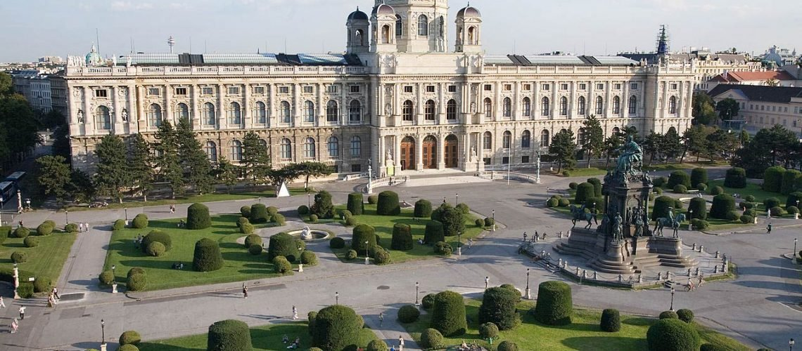 Vienna-View-of-Maria-Theresien-Platz-and-the-Kunsthistorisches-Museum